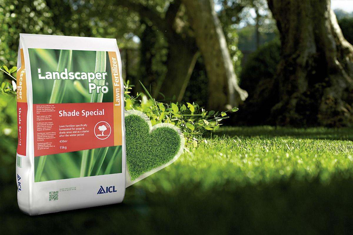 Nawóz do trawnika z żelazem - Landscaper Pro Shade Special